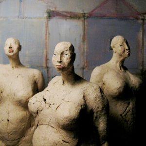 Three Nude Women, 25 cm